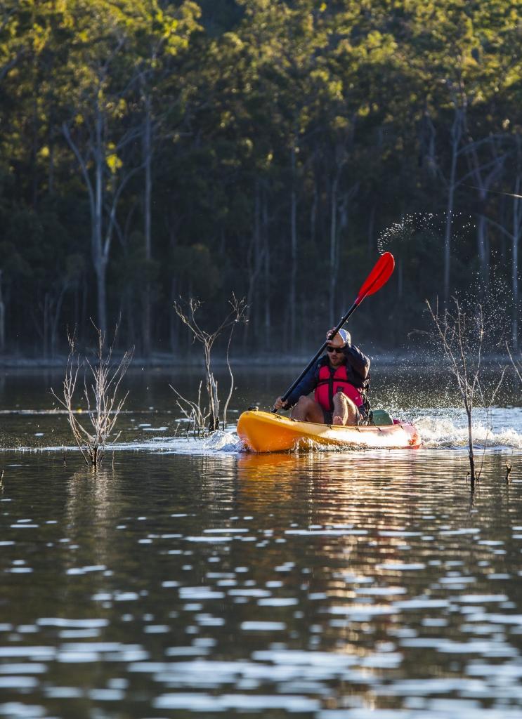 Kayaking on Hize Dam, Gold Coast